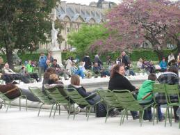 Relaxing in the Jarden des Tuileries.
