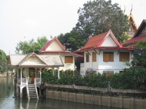 A modern Thai home facing the canal.