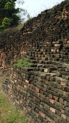Remaining old wall at the northeast side.