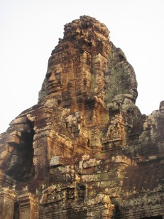 Image of the faces carved into the ruins of Ankor Thom