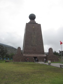 Monument at Midi del Mundo to mark the equator.