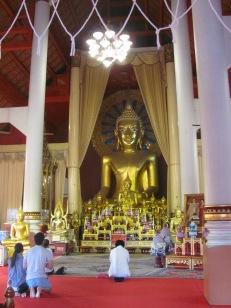 Inside the main temple of Prah Sing